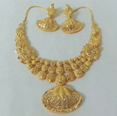Gold Chain Design, Gold Bangles Design, Gold Earrings Designs, Gold Jewellery Design, Gold Designs, Antique Jewellery, Gold Wedding Jewelry, Gold Jewelry Simple, Beaded Necklace Patterns