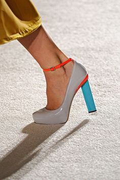Roksanda Ilincic Spring 2012 rtw #pumps #platforms #colourblocking #heels