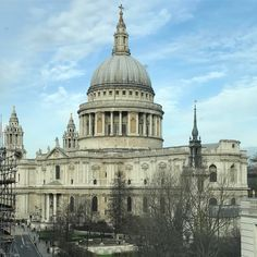 #stpauls @stpaulscathedrallondon #stpaulscathedral #monument #London #Londres #londoner #londonist #londonlife #london #londoncity #londonbridge #londoncalling