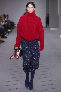 Balenciaga Fall 2017 Ready-to-Wear, http://mmoda.net/balenciaga-fall-2017-ready-to-wear/, #2017 #AchokMajak #AdeleTaska #AlekWek #AmandineRenard #AnnaHagood #AnnieTice #AnsleyGulielmi #AymelineValade #Balenciaga #Barbra-LeeGrant #CatherineMcNeil #CharleeFraser #ChuWong #DemnaGvasalia #EdenClark #ElizaDouglas #fall #InaMariboJensen #JaneMoseley #JennaeQuisenberry #JuliaGrze #JuliaNobis...