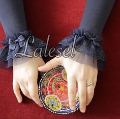 Handsock Sleeves Designs For Dresses, Sleeve Designs, Tutorial Hijab Segitiga, Abaya Fashion, Fashion Dresses, Hand Socks, Sewing Sleeves, Lace Cuffs, Hijab Dress