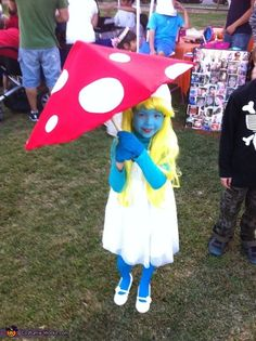 Adorable 'Smurfette' homemade costume for girls. I totally want to be this for Halloween one year!