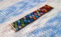 Artículos similares a Huichol Bracelet with Puzzle Colorful Ornament Geometric Mexican Wixarika Design Jewelry Indian bracelet Beaded Colorful en Etsy Peyote Stitch Patterns, Beaded Bracelet Patterns, Bead Loom Patterns, Jewelry Patterns, Beading Patterns, Bead Loom Designs, Herringbone Stitch, Beading Techniques, Loom Bands
