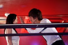 Well, that's quick. Usually we don't see the main couple in a drama kissing till the show is at least on the air. But these latest stills from City Hunter (still a month from its premiere) feature the first smooch between Lee Min-ho and Park Min-young, shoots for which took an hour and a half. Yeaaaah. I'm sure it was...