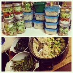craftycake:  So when I said I was gonna step up my meal prep game…I meant it. #mealprep #sunday #saladinajar #productiveweekend #nutrition #health #fitness