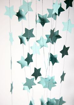Pastel blue - aqua color for your party, room or nursery decorations. Looks great around a table, hanging in the wall or the roof. Beautiful for Mothers Day or Christmas tree.   ★ MEASUREMENTS Price per strand of the length of your chose. Please chose length from the drop down menu. The star size is 2 inches.  ★ CUSTOM ORDERS I can make custom colors, shapes and sizes. Ask me! Ill list an especial order for you.  ★ SHIPPING Ready to ship in 1-3 business days once the payment is received…