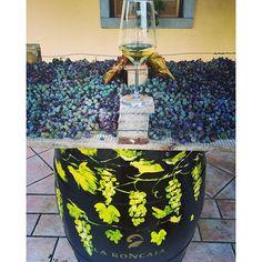 #orodiramandolo #event @ #laroncaia #winery #driedgrapes #appassimento #barrique #barrel #wineandart #winetime #wineoclock #sunnyday #wine #winelover #wineaddict #sweetwine #dessertwine #fantinel #passion #emotion #winecountry #italianwine #travel #explore #friuliveneziagiulia #fvg