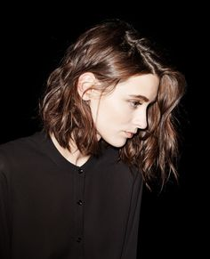 Chemise fluide sans col - Chemises - The Kooples Bob Frisuren Bob Frisur - Pin Photo Bob Braun, Hair Inspo, Hair Inspiration, Chestnut Brown Hair, Corte Y Color, Good Hair Day, Face Hair, Brown Hair Colors, Bob Hairstyles