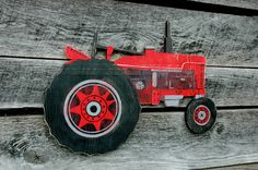 Tractor- Handmade Wood Sign Wall Art - Vintage Farm Antique Rustic Distressed Primitive Barn Boys Room Country Garden Gift Present Tractor Crafts, Tractor Decor, Barn Living, Living Room, Farm Bedroom, Tractor Birthday, Vintage Farm, Pallet Art, Wooden Wall Art