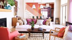 Vibrant colors in a tropical modern living room How to Bring Caribbean Style Home Mid Century Modern Color Schemes mid century modern living rooms images Home Living Room, Living Area, Living Room Designs, Living Spaces, Cottage Living, Cozy Cottage, Sala Tropical, Vintage Design, Coastal Living