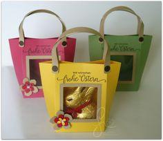 Gerne bin ich wieder mit einer Idee bei der Blogparade von Steffi dabei. Diese mal steht das Thema Ostern an und ich habe mir dafür eine nette Tasche mit dem Stanz- und Falzbrett für Geschenktüten einfallen lassen. Ich finde es immer recht nett, wenn man direkt spitzeln kann was sich leckeres in der Verpackung befindet […]