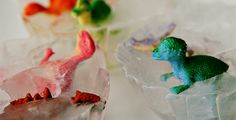 6 DIY Outdoor Activities for Kids (dinosaurs/ice-cubes dino eggs) Outdoor Activities For Kids, Toddler Activities, Sensory Activities, Diy For Kids, Crafts For Kids, Toddler Busy Bags, Frozen Toys, Holiday Program, Summer Fun