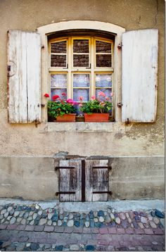 ♔ Provence window with rustic white shutters (see the lovely blue stones amongst the red brickwork below) Old Windows, Windows And Doors, Ventana Windows, Window Dressings, Window View, Through The Window, Old Doors, Window Boxes, Doorway