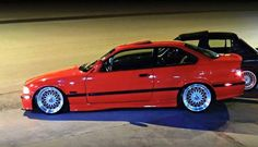 Bmw E36 318i, Suv Bmw, Bmw Cars, E36 Sedan, E36 Coupe, Bmw E36 Drift, Most Expensive Luxury Cars, Bmw Red, Bmw M Series