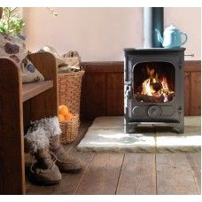 Charnwood Country 4 Woodburning Stoves From Surrey Leading Retailers And Installers. http://www.greenshopgomshall.co.uk/Charnwood-Stoves/Charnwood-Country-Range/charnwood-country-4-woodburner