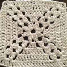 crochetstitches_crossedclusersgrannysquare