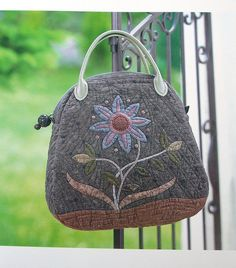 Beautiful appliqued bag by Yoko Saito by Very Berry Handmade, via Flickr