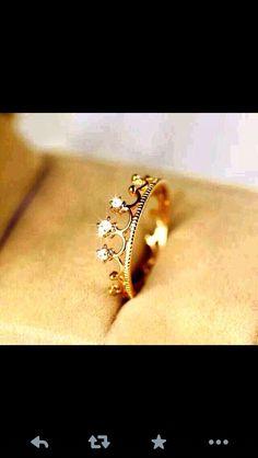 Beautiful crown ring