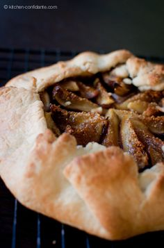 Fig, Honey & Goat Cheese Galette - always need fig recipes for when my fig tree comes in