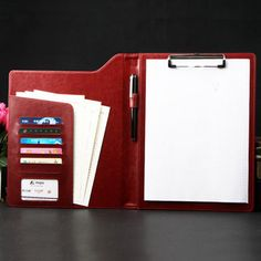 Live life jitter free with this amazing collection of custom leatherette portfolio folder for businesses, lecturer, students, business heads etc. Leather Notepad, Leather Pencil Case, Leather Laptop Case, Cool Stuff, Leather Folder, Folder Organization, Clip Wallet, Presentation Folder, Leather Portfolio