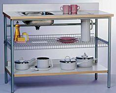 Acessórios, utensílios, prateleiras e outros objetos que ajudam na organiação da cozinha e área de serviço-lavanderia.