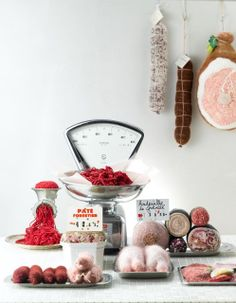 Mix of crochet and knitting. Play Kitchen Accessories, Meat Love, Felt Play Food, Minimalist Christmas, Food Patterns, Crochet Food, Food Drawing, Fiber Foods, Food Packaging