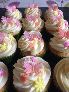 Simple butterfly and flower cupcakes