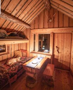 Shed Cabin, Diy Cabin, Tiny House Cabin, Log Cabin Homes, Tiny House Living, Small Cabin Plans, Small Log Cabin, Cabin Design, House Design