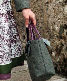 Tasche von Susanne Spatt Salzburg, Bucket Bag, Bags, Diy, Fashion, Ethnic Dress, Feminine Fashion, Suits, Women