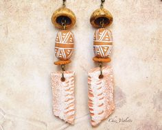 Brut Primitive Ethnic earring dangle  Earthcolor by chezviolette