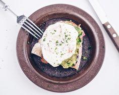 Chili-uppomuna avokadotahna pekoni aamiaisleipä Jamie Oliver superruokaa - Suusta suuhun | Lily.fi