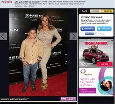Maripily Rivera y su hijo Joe Joe en la premier de la pelúcula X-Men: Days of Future Past en el Regal de South Beach