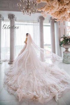 Trendy Dress Wedding White Princess – Princess Wedding Ideas Tagged at muzzikuminfo. Princess Wedding Dresses, White Wedding Dresses, Bridal Dresses, Wedding Gowns, Wedding White, Wedding Vintage, Vintage Lace, Trendy Wedding, Boho Wedding
