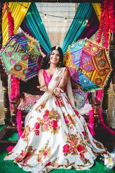 White silk Printed Lehenga choli dupatta party wear Indian dress bollywood lengha choli lengaha blouse lenga choli for women's. Mehndi Designs, Choli Designs, Lehenga Designs, Blouse Designs, Party Wear Indian Dresses, Indian Bridal Outfits, Bridal Dresses, Wedding Outfits, Indian Bridal Party