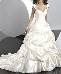 http://i01.i.aliimg.com/photo/v0/108035339/Stunning_Wedding_Dress_Ball_Gown_with_Sweetheart.jpg