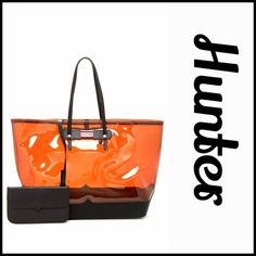 """HUNTER Original Large Clear Tote NEW WITH TAGS  HUNTER Original Large Clear Tote   * Exterior features a clear construction w/black trim  * Dual leather handles, clasp top closure, & detachable strap  * Leather zippered pouch & dust bag  * Approx. 13.25""""H x 21""""W x 6.75""""D  * Hunter logo & Silver-tone hardware  * A firm structure bottom Material:PVC & leather, leather pouch Color: Mustard & Black  No Trades ✅ Offers Considered*/Bundle Discounts✅ *Please use the 'offer' button to submit your…"""