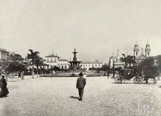 Augusto Malta (Mata Grande, AL 14 de maio de 1864 – Rio de Janeiro, RJ 30 de junho de 1957) | Brasiliana Fotográfica Augusto Malta. Praça XV de Novembro, Cais Pharoux, chafariz do mestre Valentim, 1906. Centro, Rio de Janeiro / Acervo IMS