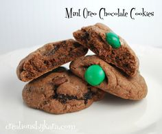 Recipe for mint chocolate cookies with oreos and mint M&M's. A mint chocolate lover's dream!