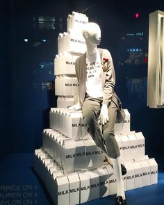"LORD&TAYLOR, Fifth Avenue, Manhattan, New York, ""I'm all for fresh milk in the office but this is ridiculous"", photo by Anastasiia Cheban, pinned by Ton van der Veer"