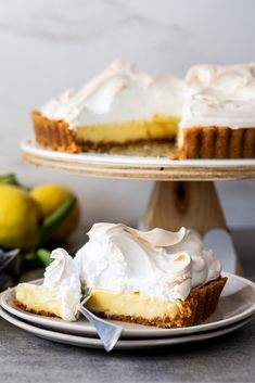 Lemon Meringue Pie - Simply Delicious - - Lemon meringue pie is a luscious showstopper dessert. Creamy lemon filling topped with Swiss meringue in a cookie crust. Lemon Pie Recipe, Lemon Dessert Recipes, Easy Pie Recipes, Tart Recipes, Sweet Recipes, Baking Recipes, Delicious Desserts, Lemon Meringue Recipe, Mini Lemon Meringue Pies