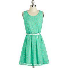 Durante la temporada primavera-verano no te puede faltar un vestido en tonos pastel. Este modelo color menta puede ser una opción maravillosa.  Sigue el look en DBS Fashiolista ♥