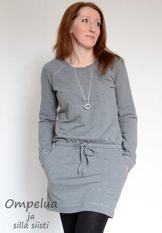 Ai että minä tykkään tästä minun uudesta mekosta. On kuulkaa niin mukava päällä! Tai ei se niin uusi itse asiassa enää ole. Ompelin tämän...