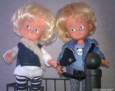 Привет, долго, ищет, кто эта кукла напрасно. Пожалуйста, если вы знаете, если это кукла, что вы знали в детстве, если