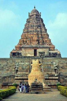 Brihadisvara Temple at Gangaikonda Cholapuram Indian Temple Architecture, India Architecture, Ancient Architecture, Gothic Architecture, Temple India, Hindu Temple, Beau Site, Amazing India, India Culture