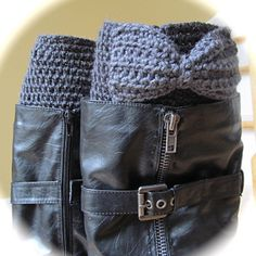 Ravelry: LBK63's Boot Cuffs wth a Bow