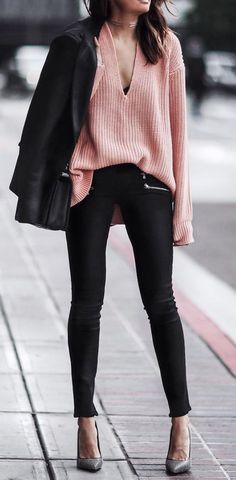 Do not let the cold weather deter your creativity! All women want to look stylish all the time, especially during winter. Here are some winter street style outfit ideas for you to look stylish, not clueless. Summer Work Outfits, Trendy Outfits, Fashion Outfits, Spring Outfits, Office Outfits, Outfits 2016, Autumn Outfits, School Outfits, Chic Outfits