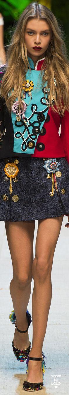 Dolce & Gabbana Spring 2017 Ready-to-Wear Fashion 2017, Couture Fashion, New Fashion, Runway Fashion, High Fashion, Fashion Show, Fashion Looks, Womens Fashion, Fashion Trends