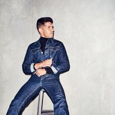 Jon Bernthal-The Return of Macho Style-0817-GQ-FAPV03-01.jpg