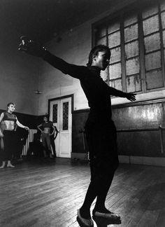 Marpessa Dawn Black Is Beautiful, Simply Beautiful, Marpessa Dawn, Black Orpheus, Italian Men, Dance Lessons, Black Image, Dance Art, Iconic Women
