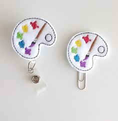Art Palette Feltie Paperclip | Badge Reel | ID Badge | Badge Holder | Lanyard | Planner Clip | Felt Paintbrush | Mixing Tray | Paint Machine Embroidery Applique, Hand Embroidery Stitches, Felt Applique, Embroidery Designs, Baby Crafts, Felt Crafts, Felt Bookmark, Graffiti Murals, Gifts For Coworkers